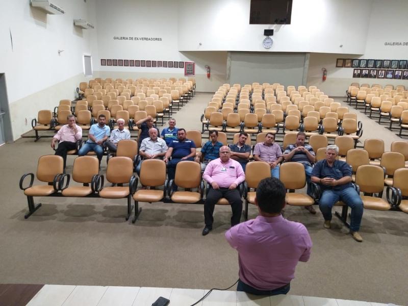 Vereadores se reúnem com produtores rurais e representantes da Usina Moreno